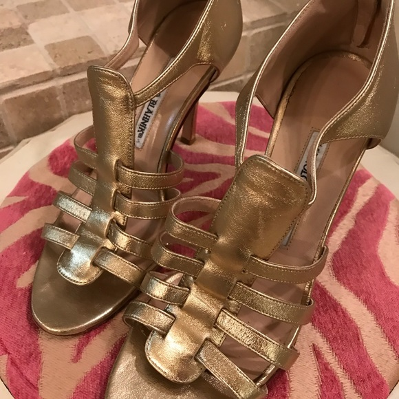 ff7c26e9162081 Manolo Blahnik Shoes - Manolo Blahnik Gold Cage Heels